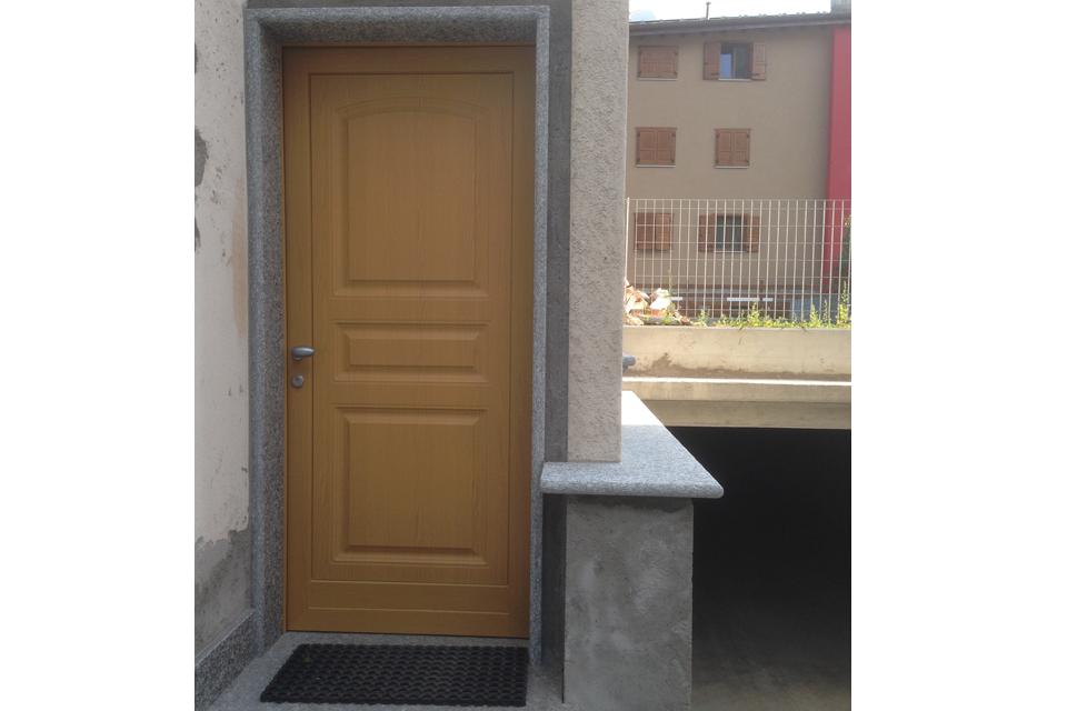 Falegnameria orobica realizzazione arredamenti for Porta d ingresso coloniale olandese